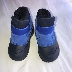 The North Face Alpenglow Boots